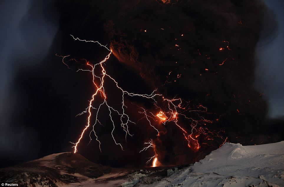 iceland volcano lightning. make the Icelandic volcano