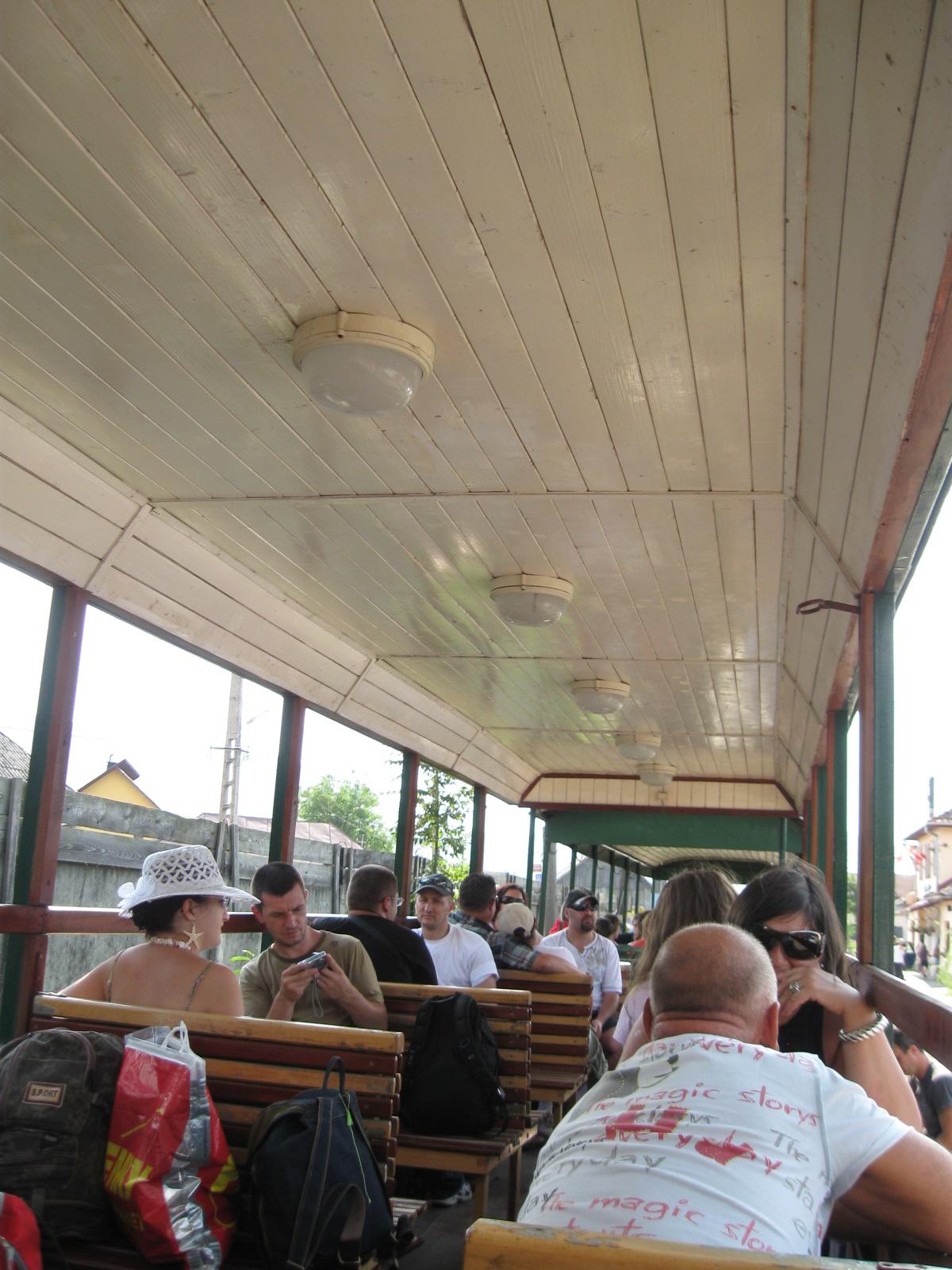 http://1.bp.blogspot.com/_s0KvrMgP5bs/TGmWsLgVnQI/AAAAAAAAAjQ/315okS2AILU/s1600/scenes+from+a+train+001.JPG