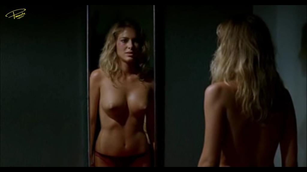 Kira Miro Desnudo Integral Desde Que Amanece Apetece