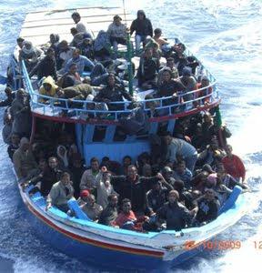 La barca soccorsa il 26 ottobre, copyright Francesco Viviano, Repubblica