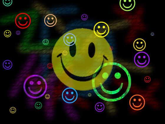 http://1.bp.blogspot.com/_s0ztGW2micA/TRRPLQZOkSI/AAAAAAAAAdU/Z0oUyCp4oHs/s1600/smile+%281%29.jpg
