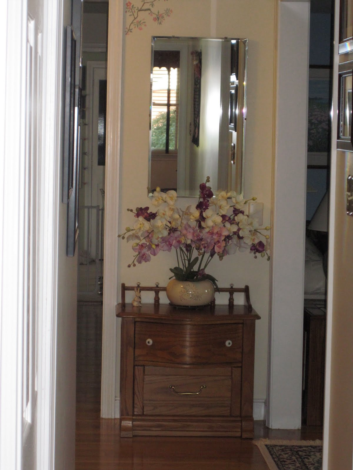 Barb S Decorating Tips Use Mirrors To Reflect Light