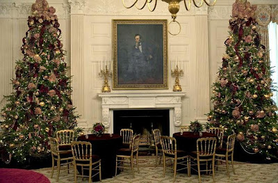 The State Dining Rooms 2009 Decorations Were Designed To Complement Coloring In William Cogswell Portrait Of President Abraham Lincoln