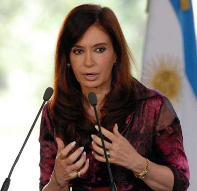"""Cristina llamó a """"recapacitar a los sectores que pueden darse el lujo de no comercializar productos"""
