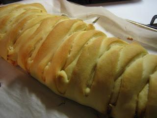 Bakin' & Eggs: BBQ Chicken Bread Braid