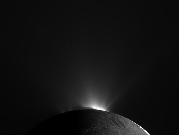 Cassini returns images of bright jets at Saturn's moon Enceladus