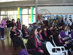 Coreutas de VILLA RODRIGUEZ esperan para actuar en encuentro coros 6 octubre 09