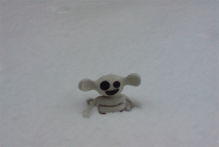 Avoid the yellow snow, little fella!
