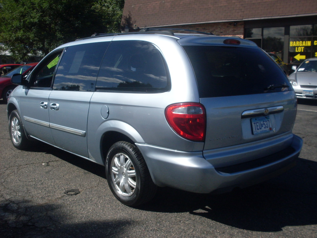 2006 chrysler town and country blue 007 jpg. Cars Review. Best American Auto & Cars Review