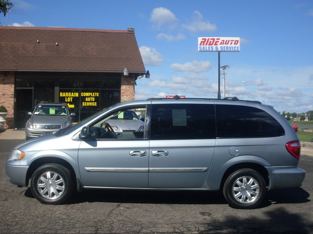 2006 chrysler town and country blue 008 jpg. Cars Review. Best American Auto & Cars Review