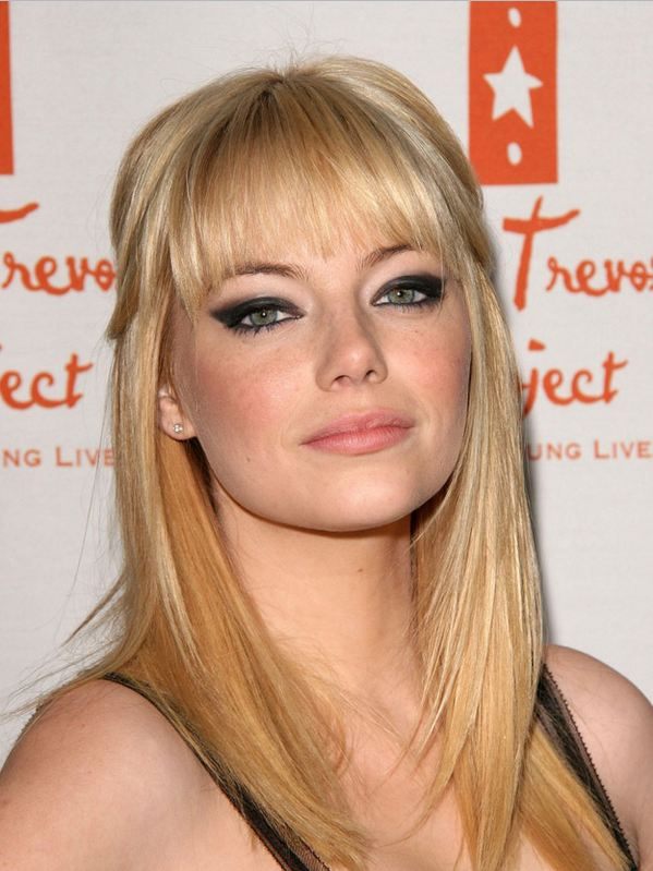 emma stone blonde hair. Emma Stone shows off her new