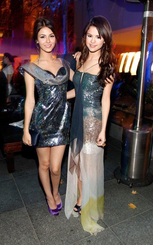 selena gomez victoria justice. Selena Gomez and Victoria