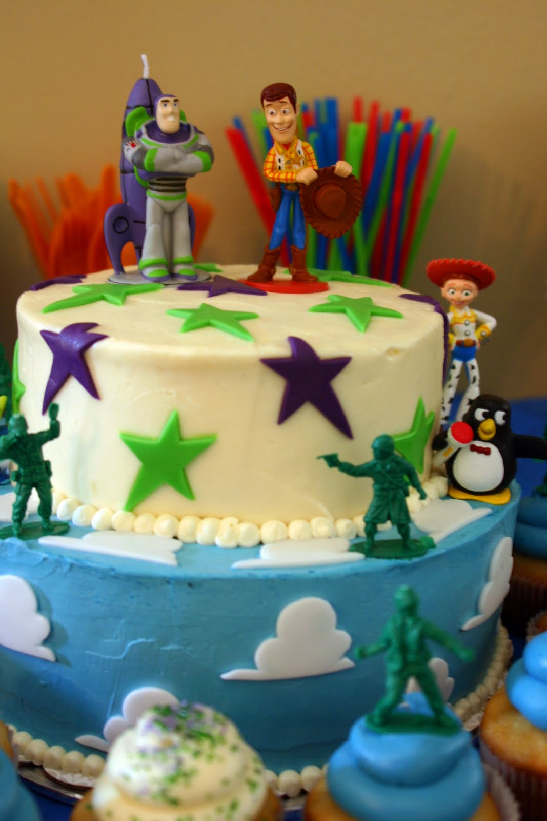 Sweet lavender bake shoppe toy story themed 5th birthday for 5th birthday decoration ideas