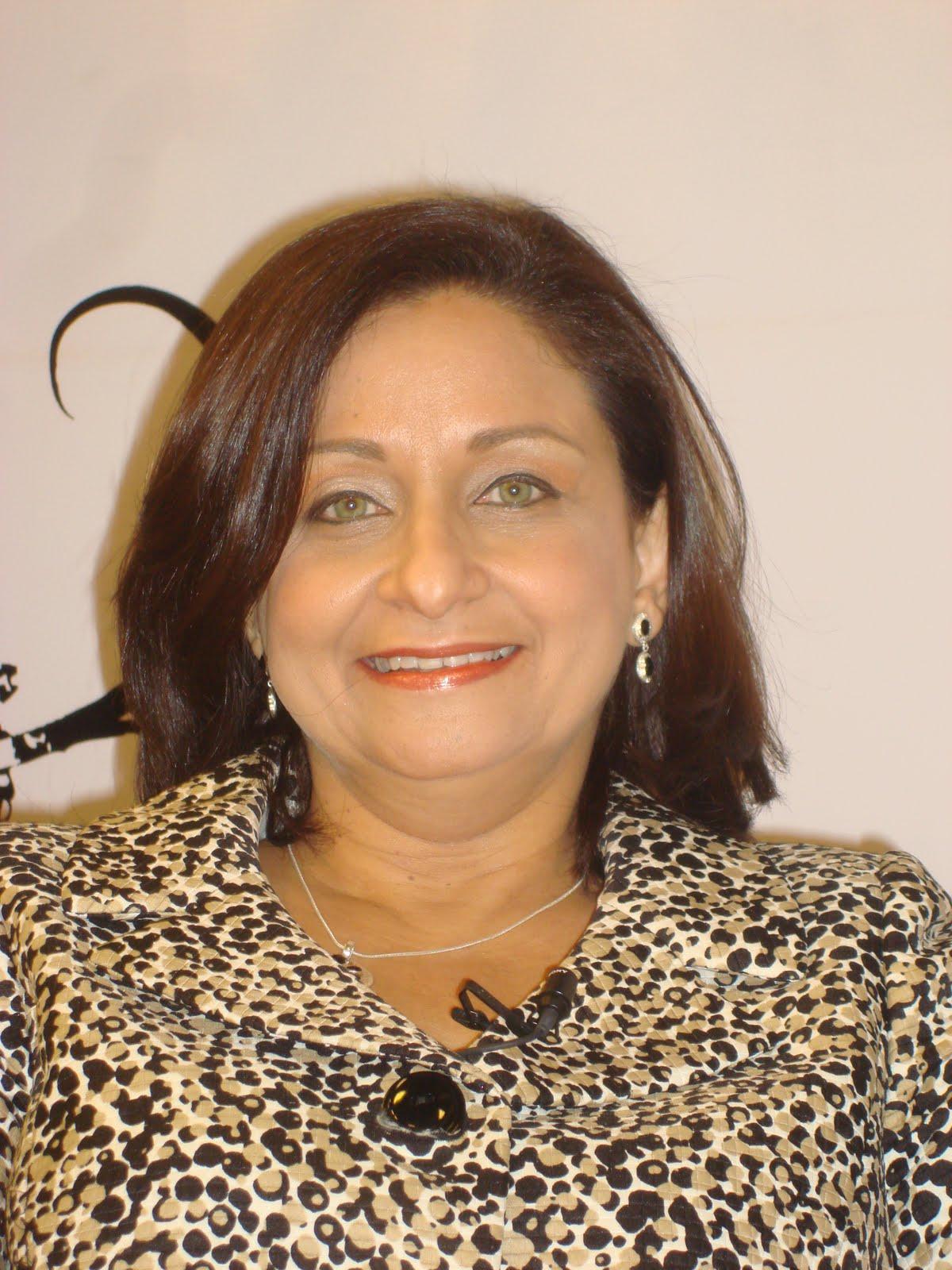 All best picos mujeres en blanco y negro dominicana for Marmol negro y blanco