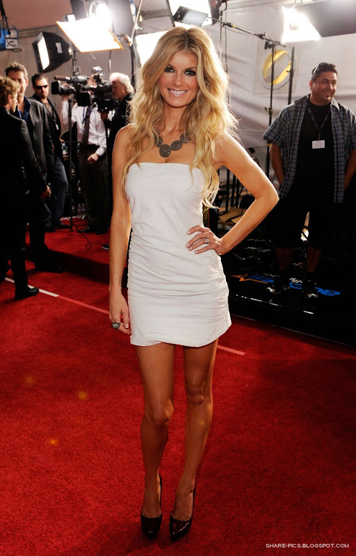 Marisa Miller hot in White at 52nd Grammy awards 2010 Los Angeles