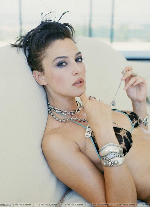 Monica Bellucci sexy Bikini Desktop HQ wallpapers