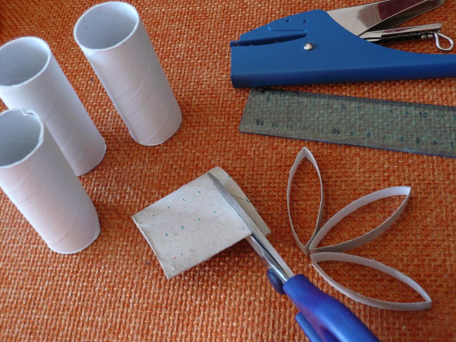 Manufacta paper jewelry decorazioni natalizie riciclando - Creare decorazioni per natale ...