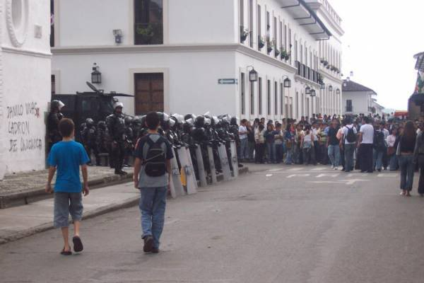 DEFENDIENDO LA UNIVERSIDAD DEL CAUCA
