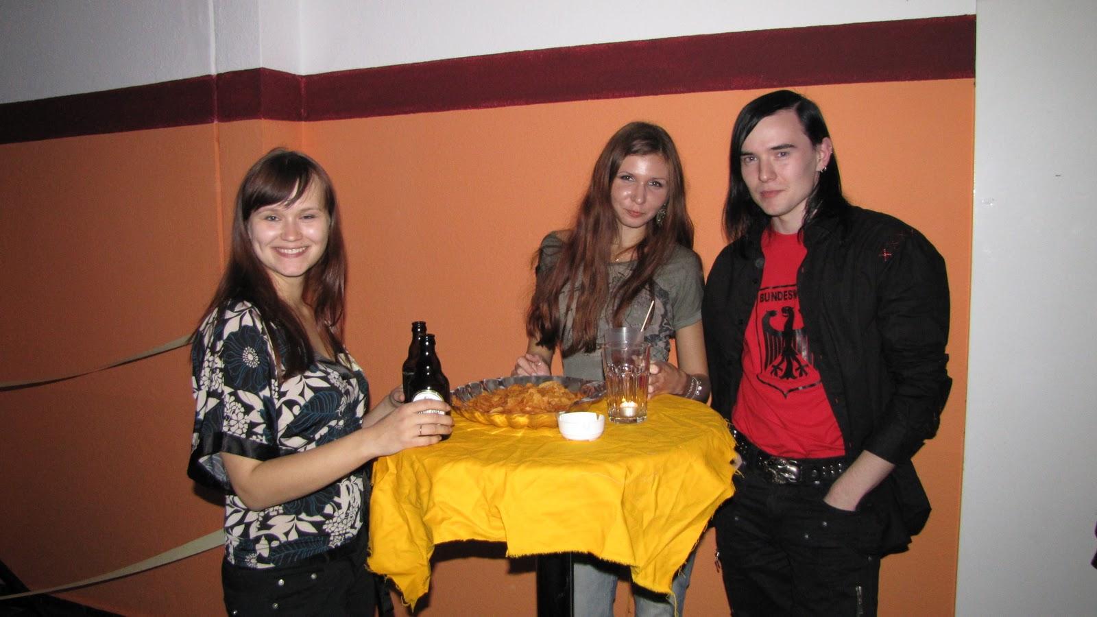 секс вечеринка на природе русских студентов (5096 ВИДЕО)