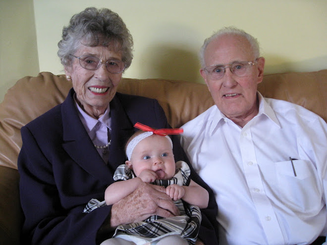 Lila with Great Grandma & Grandpa Hackett