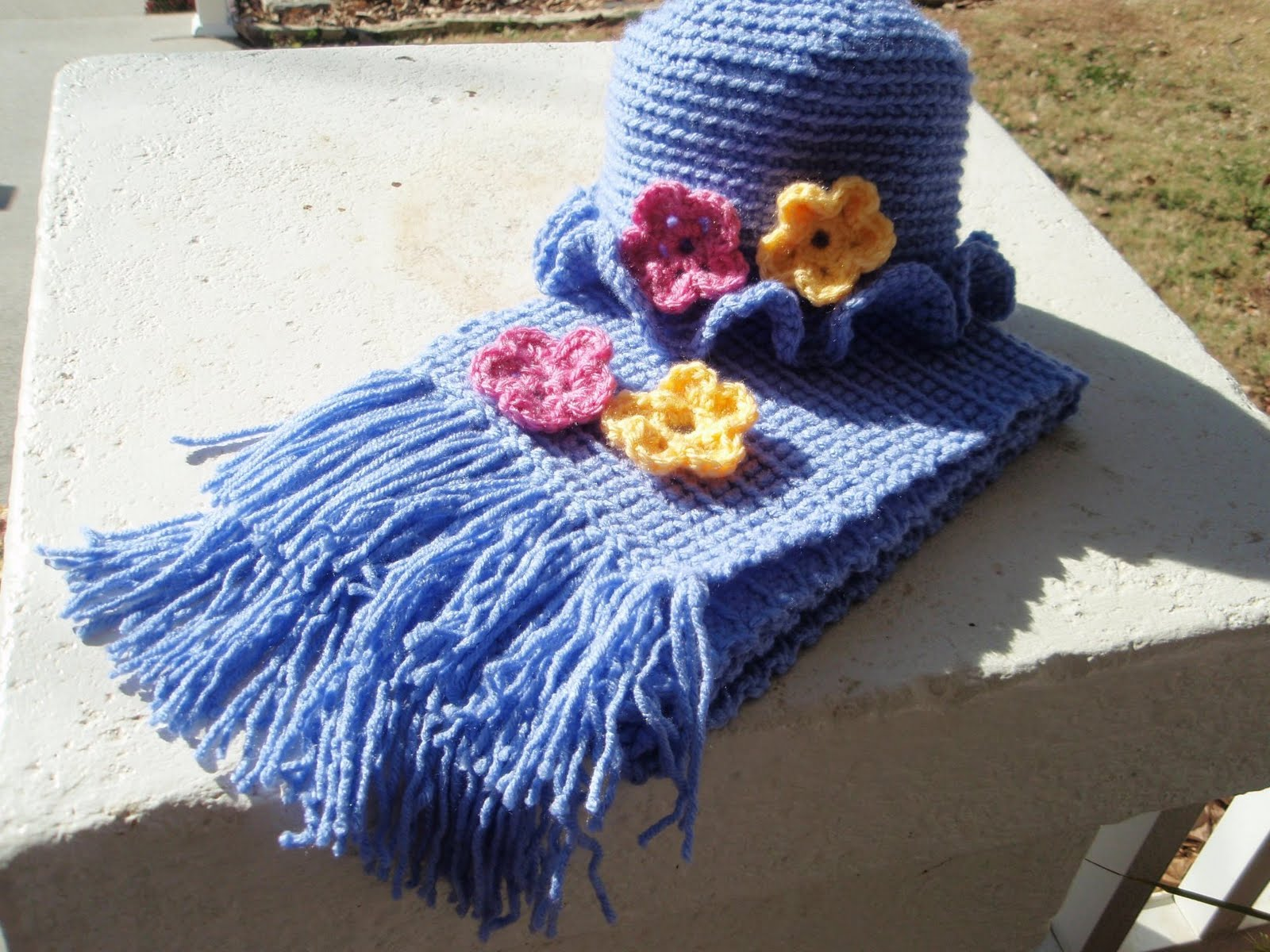 Free Knitting Pattern For Hat Scarf Combo : CROCHETED HAT PATTERN SCARF - Crochet and Knitting Patterns