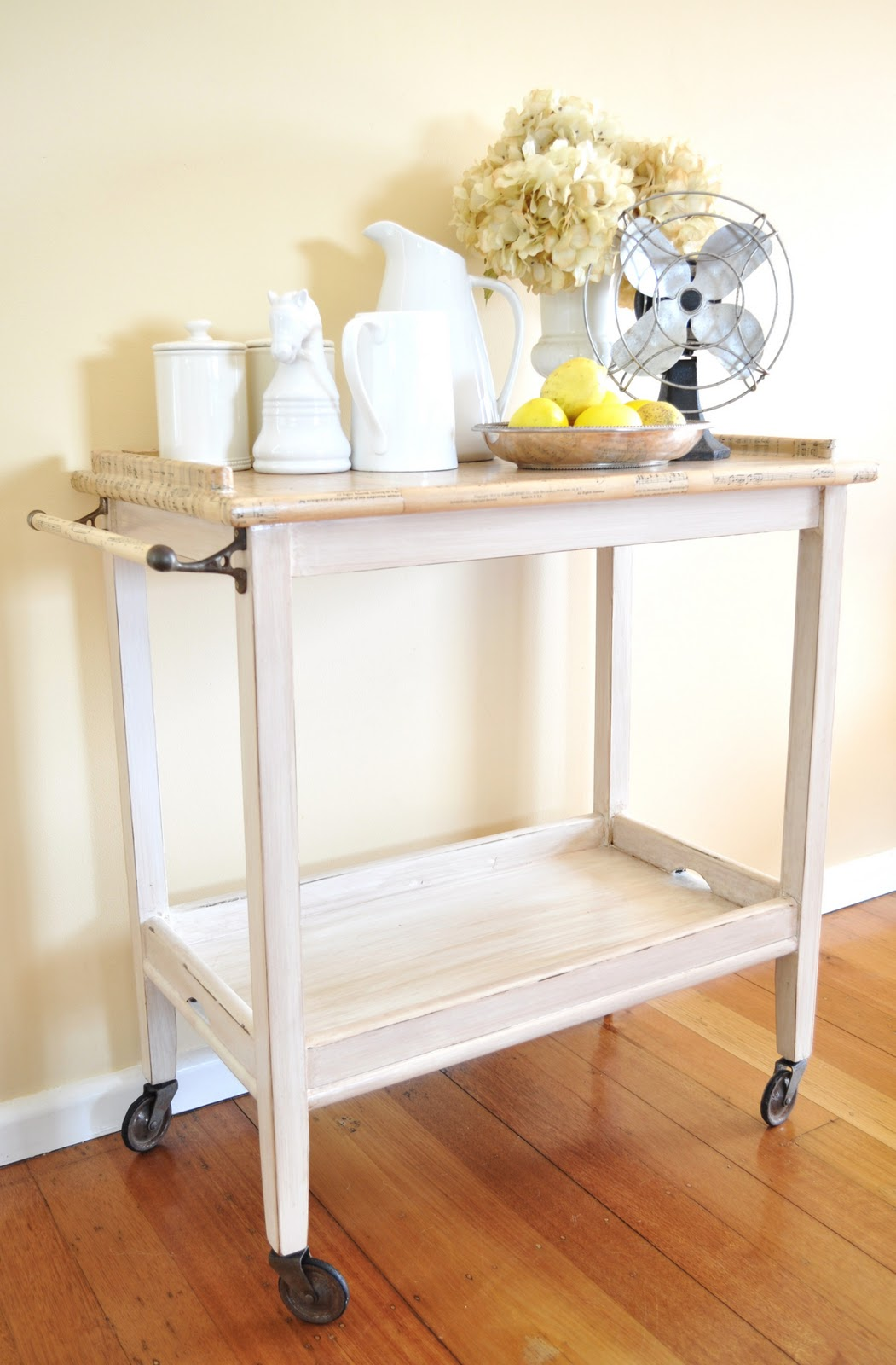 Remodelaholic tea trolley revamp by the painted hive for Tea trolley ikea