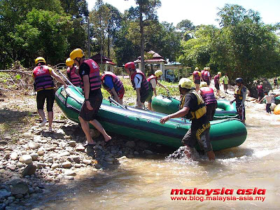 Kampar River White Water Rafting Videos