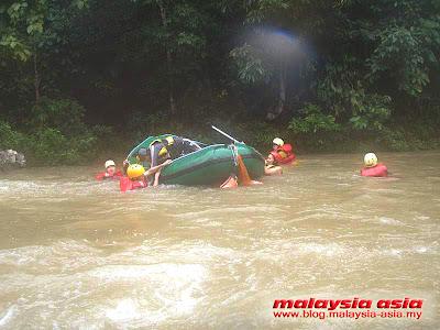 White Water Rafting at Slim River Perak