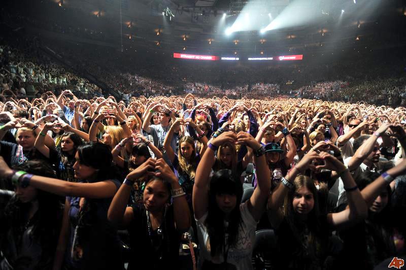 justin bieber in kl 2011. Justin Bieber Concert Tickets