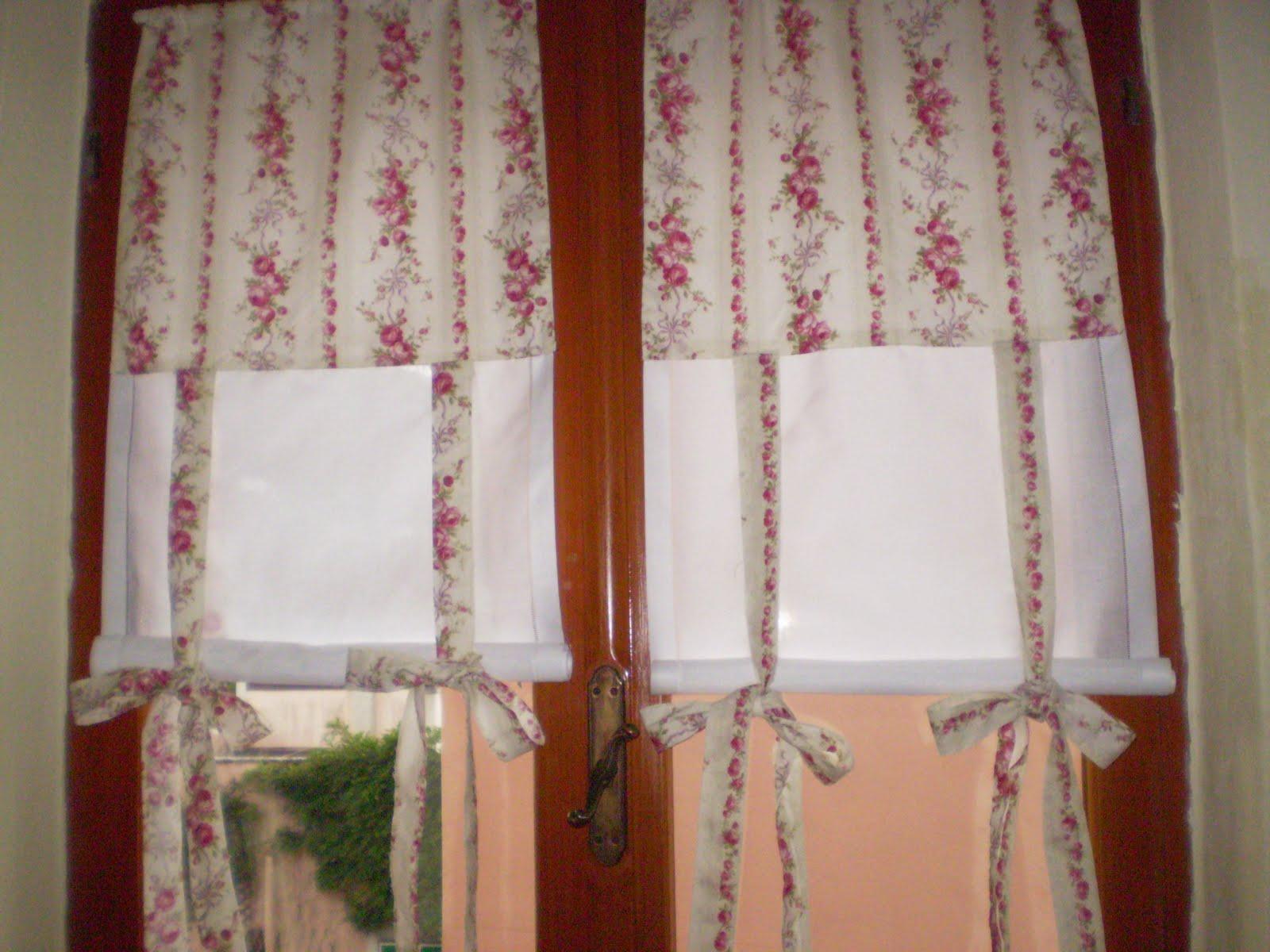 Il negozio alla francese tende realizzate con tessuto - Tende abbinate al copriletto ...