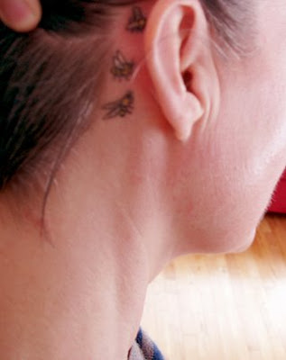 image of honey bee tattoo