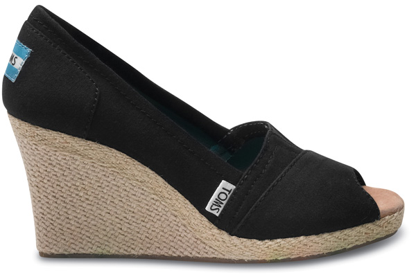 Heart of Feathers: Toms