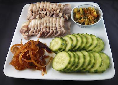 Poitrine de porc bouillie au Mam Thai