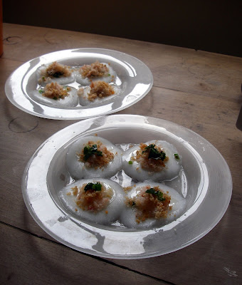 Banh Beo - steamed rice cakes with pork and shrimps id=