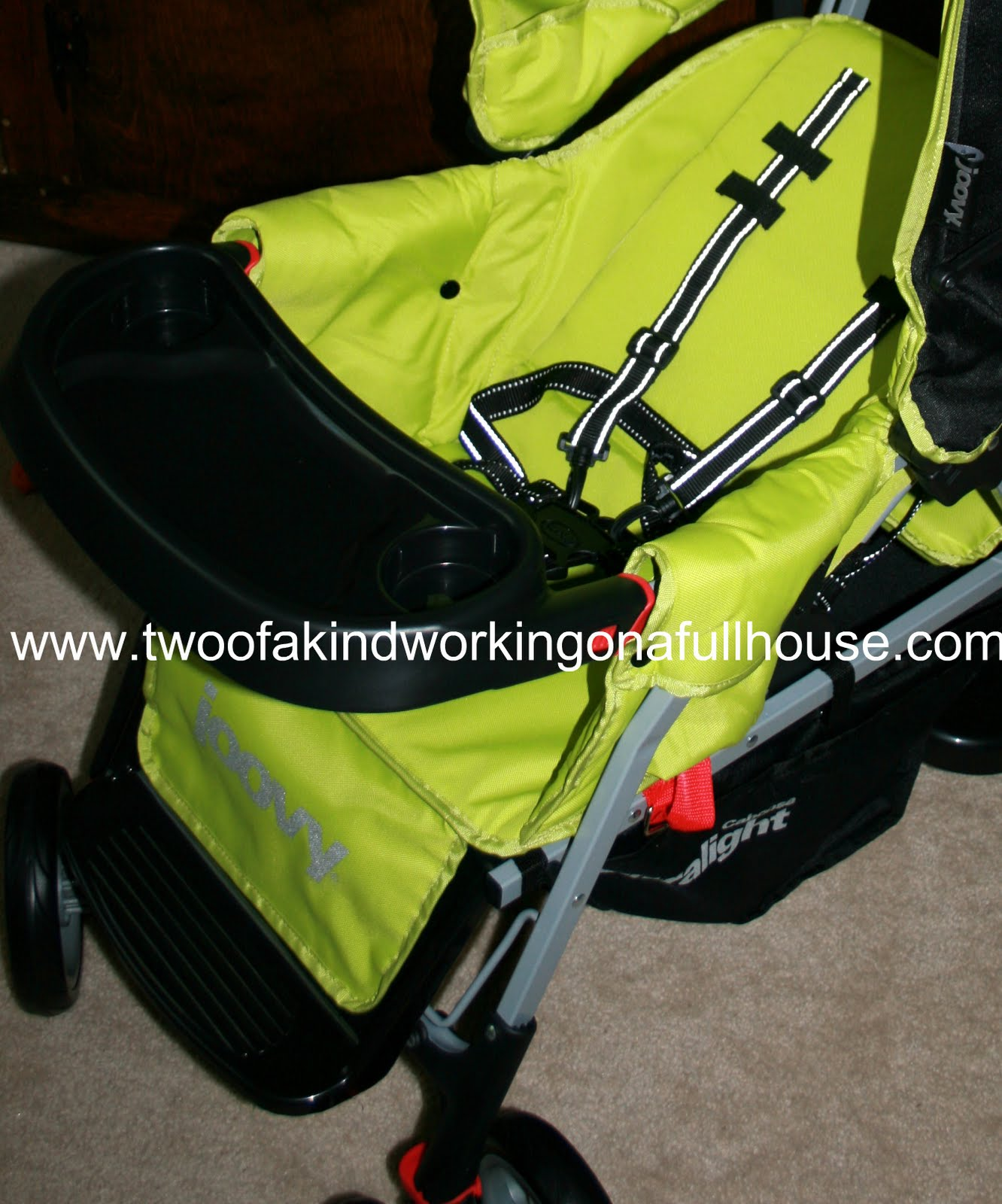 joovy 2010 ultralight caboose tandem stand on stroller review and coupon code two of a kind. Black Bedroom Furniture Sets. Home Design Ideas
