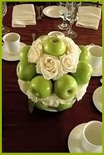 red apples centerpiece advice photo 611435-2