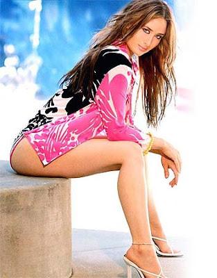kareena kapoor hot wallpapers in bikini. Kareena Kapoor HOT Wallpapers