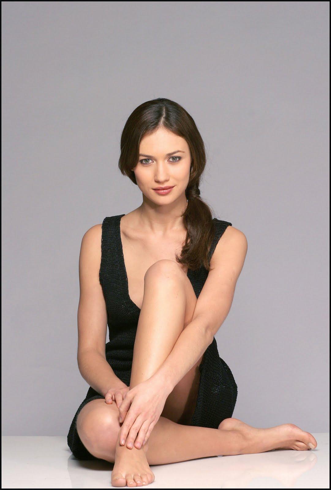 http://1.bp.blogspot.com/_sEXr38bp0vo/THbf5UZ79tI/AAAAAAAAAZM/ww2yFPl6I4E/s1600/Amathera+-+Olga+Kurylenko.jpg