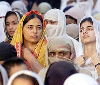 http://1.bp.blogspot.com/_sFgbYhj7xDI/SBPN_Qx-a_I/AAAAAAAAAiY/GOxiImfoXSw/s400/mujeres_islam.jpg