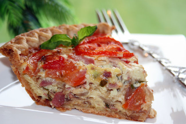 Tink's Treats: Tomato, Bacon and Caramelized Onion Quiche