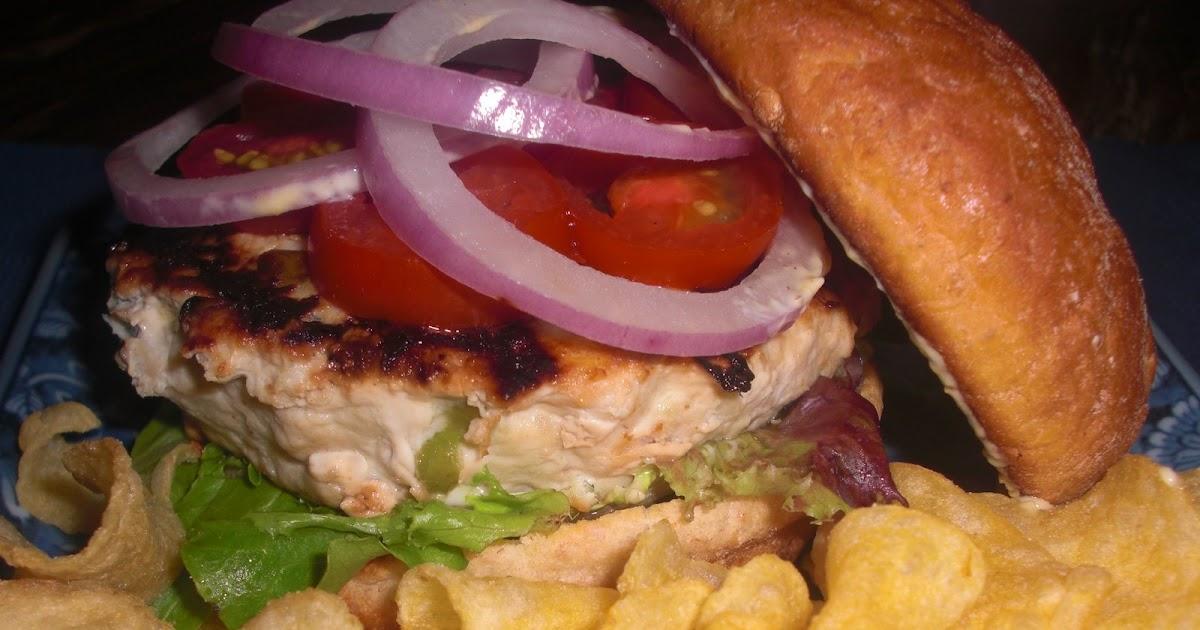 Kahakai Kitchen: Turkey-Apple Burgers Stuffed with Blue Cheese