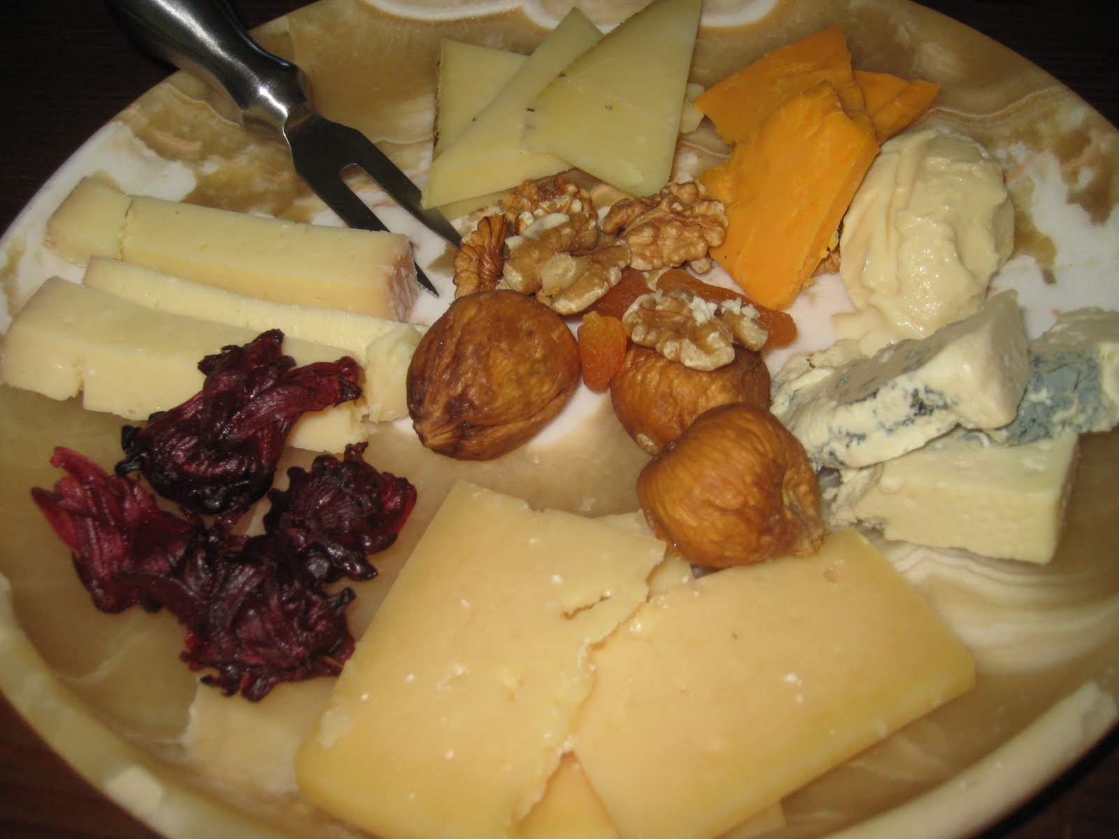 http://1.bp.blogspot.com/_sM_lwCXjgUw/TF2F69iyG7I/AAAAAAAAASg/mPRoCV68L_8/s1600/BLOG+cheese.jpg