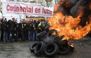 manifestation des ouvriers en colère de continental