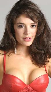 Carolina Duarte, mejor conocida en su país como Madame Rochy, es una