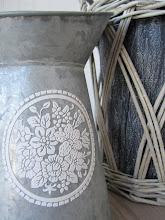 Sink skaper stemning - urne og mugge fra Drops, yndlingsbutikken min i Henningsvær!