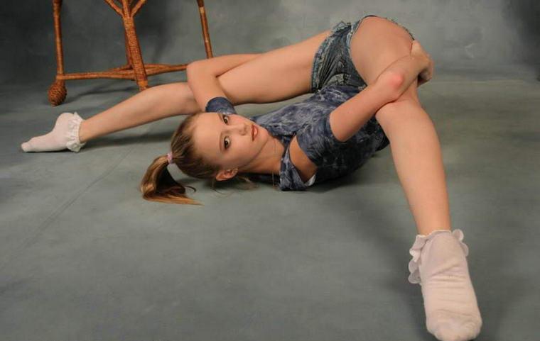 эро выкрутасы гимнасток фото