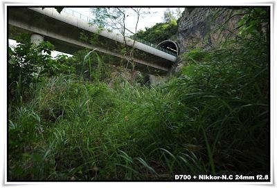 城門隧道下