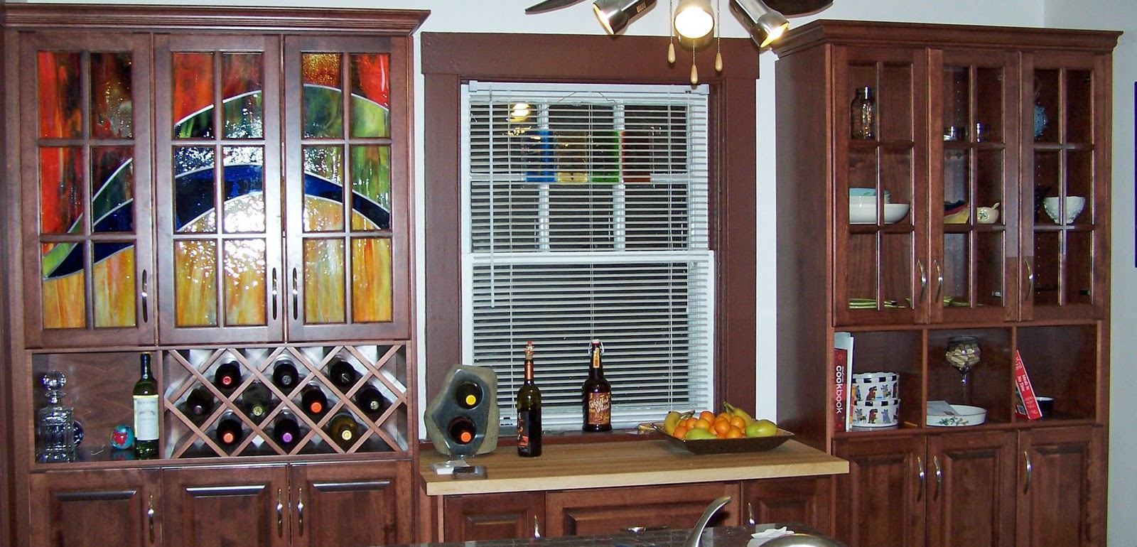 Decorative Kitchen Cabinets with Glass Doors