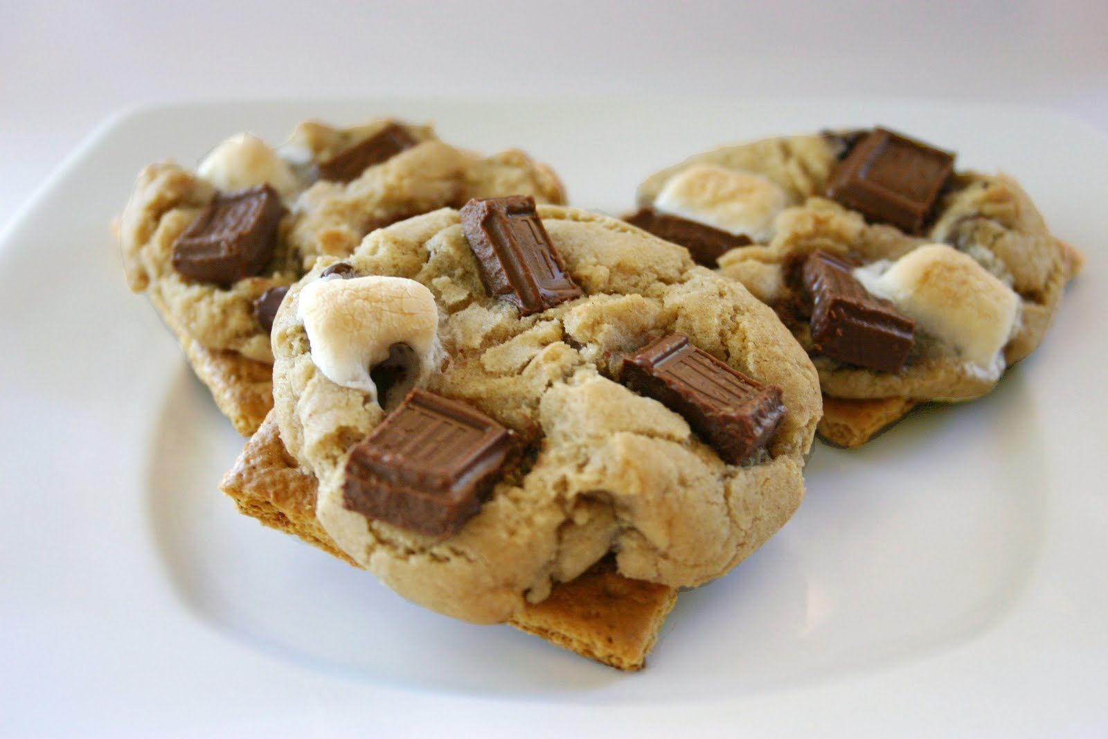 Bakergirl: Graham Cracker S'mores Cookies.