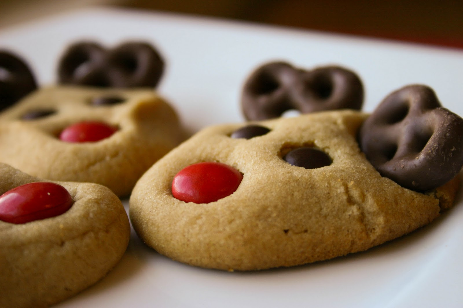 Easy Reindeer Cookies One year my son Eric wanted to buy everyone in his class a present I suggest we make them a treat instead So we made these Reindeer Cookies using a cookie mix pretzels chocolate chips and redhotsGretchen Vandenberghe Toledo Ohio